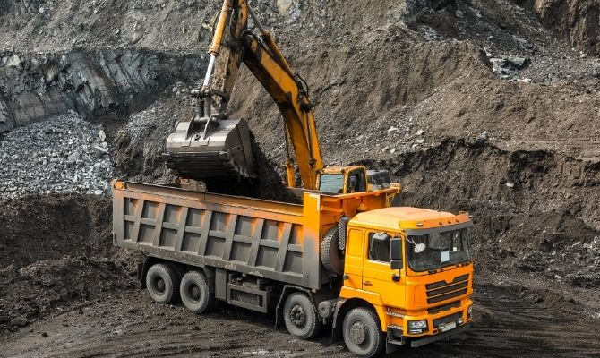 Safety Tips for Dump Truck Drivers