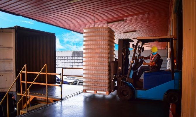 Tips for Improving Loading Dock Efficiency