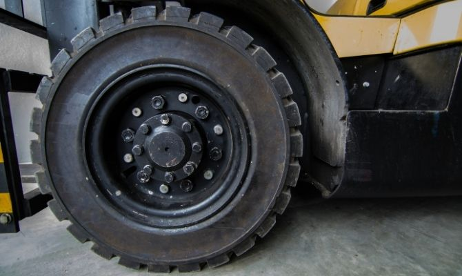 What To Consider When Choosing Forklift Tires