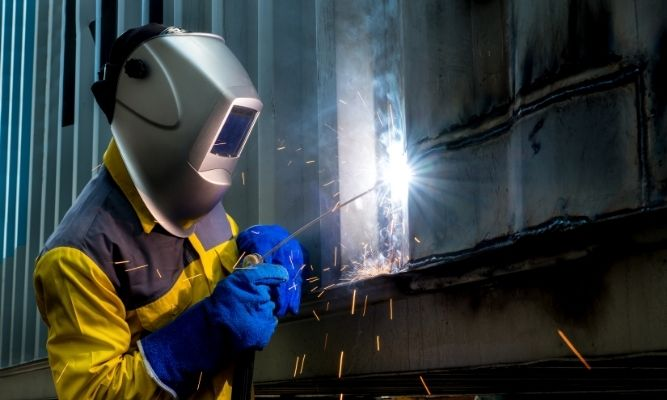 Strategies To Reduce Noise in Industrial Settings