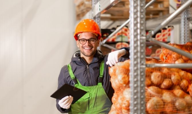 How Food Distributors Work With Grocery Stores