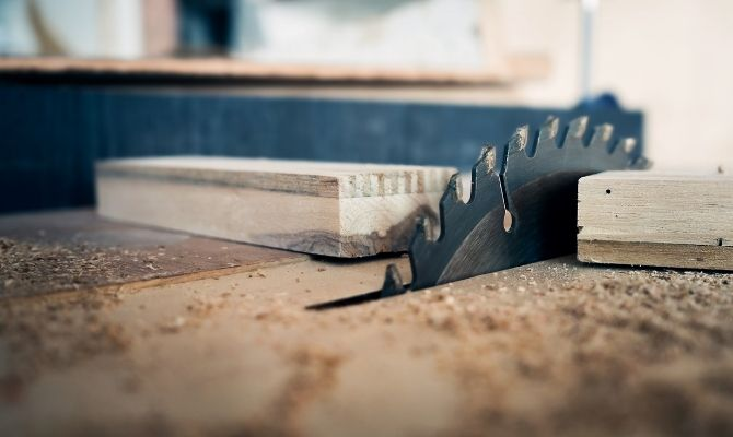 A Guide To Woodworking Saws and Their Uses