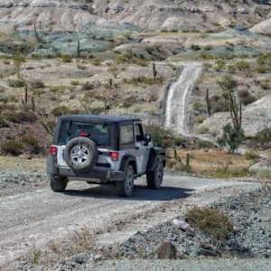The Differences Between the Jeep Wrangler and Gladiator